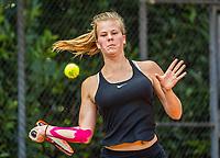 Hilversum, Netherlands, August 9, 2017, National Junior Championships, NJK, Malou Goes<br /> Photo: Tennisimages/Henk Koster