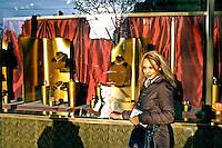 Vitrine de loja de grife em Paris. França. 2004. Foto de Ricardo Azoury.