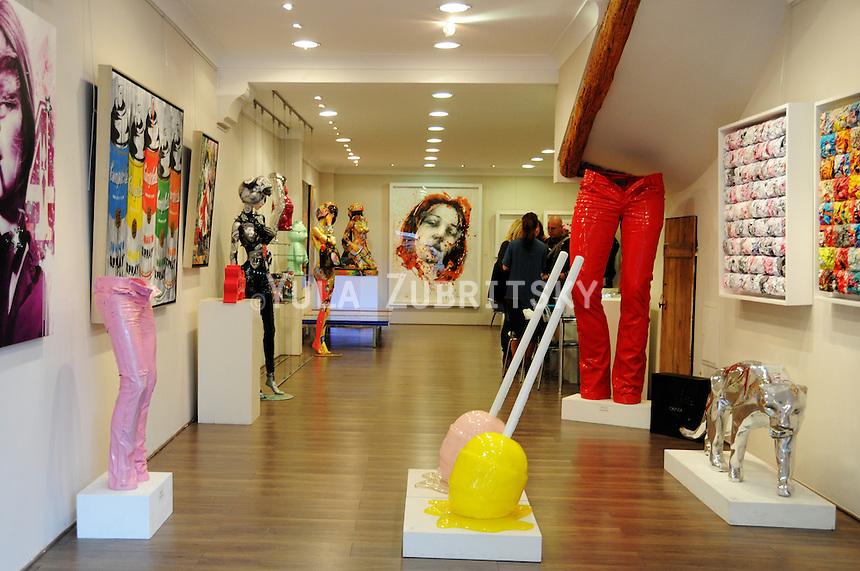Galerie des Lices , Saint-Tropez, France