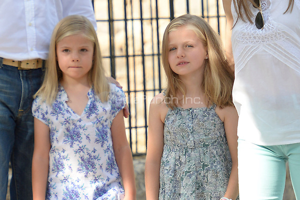 Princess Sofia and Princess Leonor visiting Sporles farm in Mallorca, Spain, 05.08.2013. Credit: C. Kasady/insight media /MediaPunch Inc. ***FOR USA ONLY***