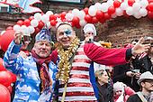 Düsseldorf, Germany. 27 February 2017. Konrad Beikircher and Jacques Tilly. Carnival parade on Shrove Monday (Rosenmontag) in Düsseldorf, North Rhine-Westphalia, Germany.