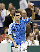 22-2-06, Netherlands, tennis, Rotterdam, ABNAMROWTT, Tim Henman celebrates his victory over Johansson.
