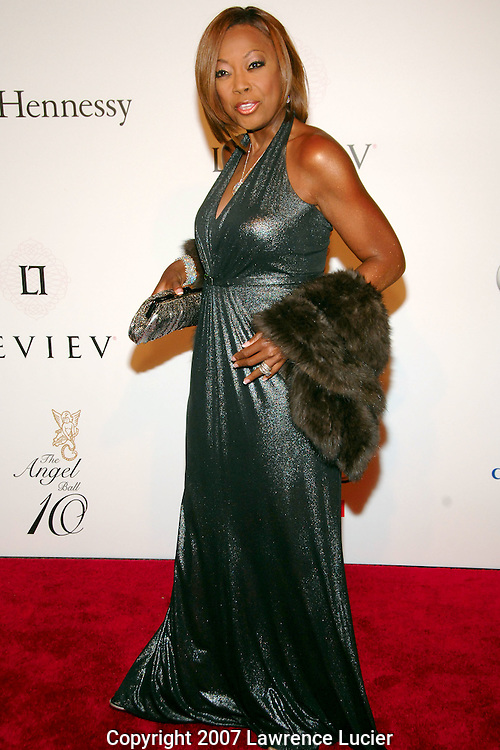 Television personality Star Jones arrives for the G&P Foundation's Angel Ball October 29, 2007, at the Marriott Marquis in New York City.. (Pictured : Star Jones).