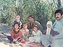 Iraq 1982 .Hama Haji Mahmoud in the village of Rochen in the mountain with the family of his wife, Tamin, visiting them .Irak 1982.Hama Haji Mahmoud avec la famille de sa femme Tamin dans le village de Rochen