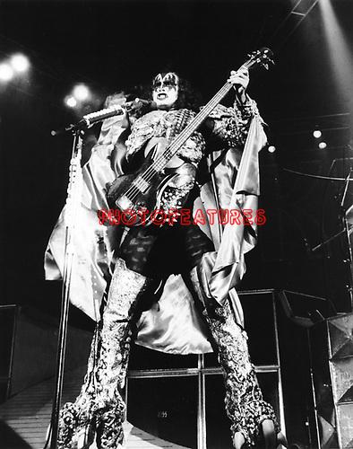 Kiss 1979 Gene Simmons
