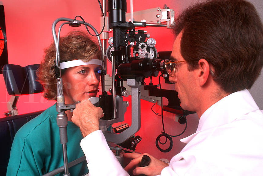 Optometrist testing for glaucoma