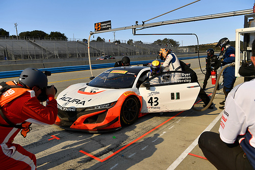 Pirelli World Challenge<br /> Intercontinental GT Challenge California 8 Hours<br /> Mazda Raceway Laguna Seca<br /> Sunday 15 October 2017<br /> Ryan Eversley, Tom Dyer, Dane Cameron, Acura NSX GT3, GT3 Overall pit stop.<br /> World Copyright: Richard Dole<br /> LAT Images<br /> ref: Digital Image RD_PWCLS17_353