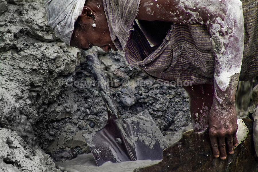 Women Gold Miners In Colombia Jan Sochor Photography Archive - Departments of colombia 2004