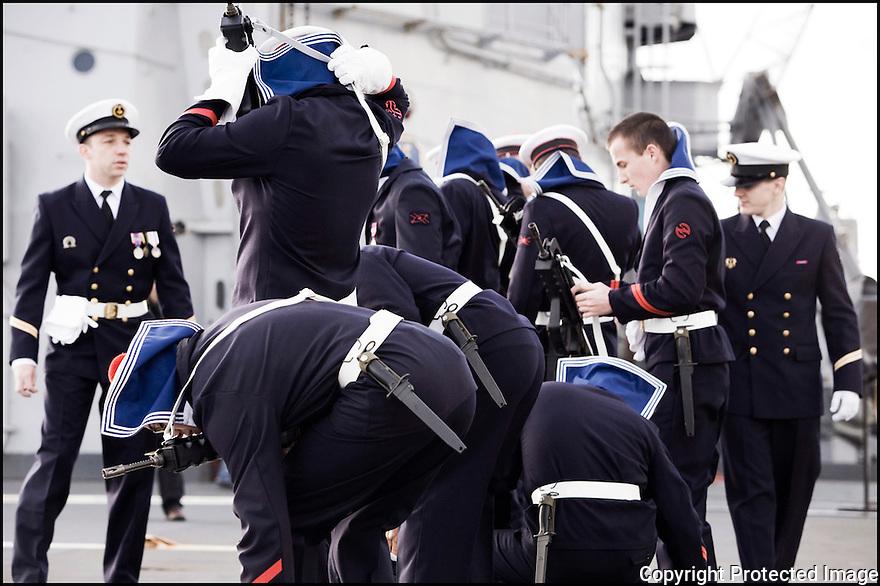 Décembre 2008/ Brest/ Préparation avant la cérémonie de départ.