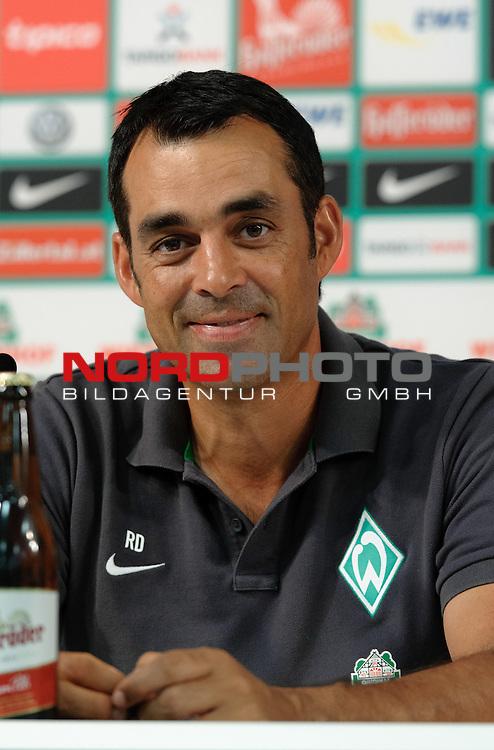 02.08.2013, Weserstadion, Bremen, GER, 1.FBL, Pressekonferenz Werder Bremen, im Bild Robin Dutt (Trainer Werder Bremen)<br /> <br /> Foto &copy; nph / Frisch