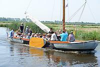 KERK: BROEK: 07-07-2013, Praamkerkdienst Broek/Langweerderwielen, © Martin de Jong