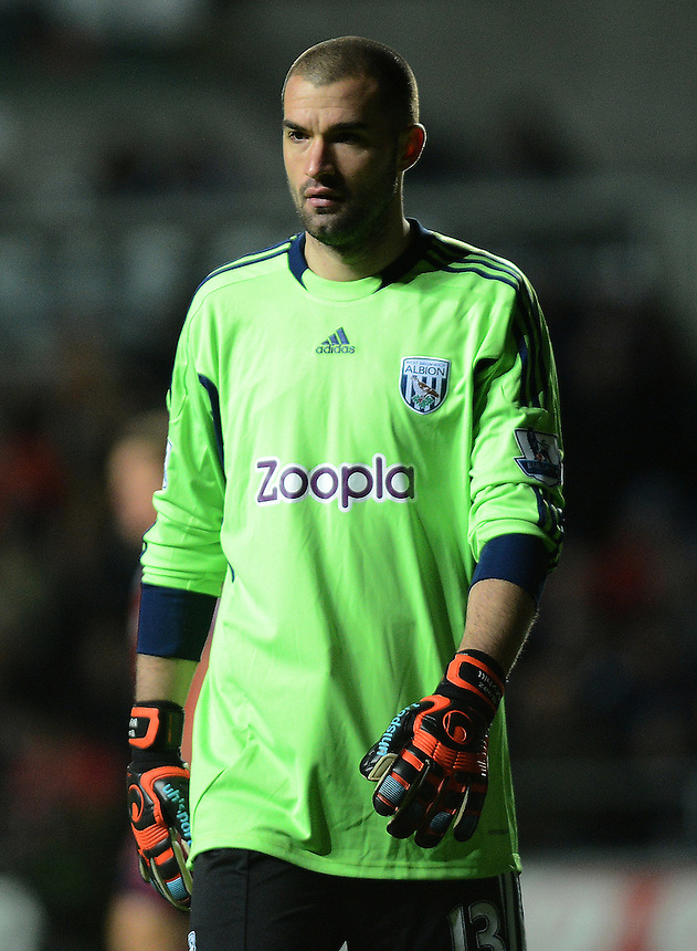 West Bromwich Albion's Boaz Myhill in action during todays match  ..Football - Barclays Premiership - Swansea City v West Bromwich Albion - Wednesday 28th November 2012 - Liberty Stadium - Swansea..