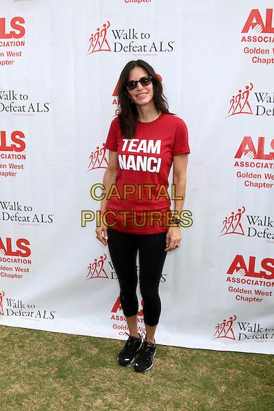 LOS ANGELES, CA - OCTOBER 16: Courteney Cox at the ALS Association Golden West Chapter Los Angeles County Walk To Defeat ALS at Exposition Park in Los Angeles, CA on October 16, 2016. <br /> CAP/MPI/DE<br /> &copy;DE/MPI/Capital Pictures