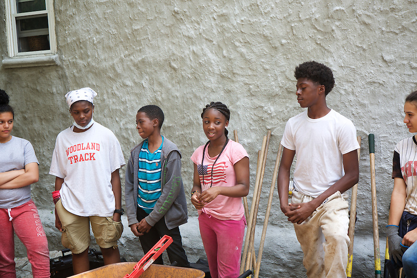 Brooklyn, NY - June 4, 2016: Teen LEAF Ambassadors from The Nature Conservancy join students from East New York Farms! to build Warwick Street Garden out of a lot in East New York.<br /> <br /> CREDIT: Clay Williams for Edible Brooklyn.<br /> <br /> &copy; Clay Williams / claywilliamsphoto.com