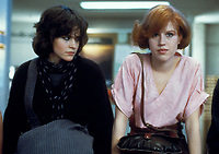 The Breakfast Club (1985) <br /> Molly Ringwald &amp; Ally Sheedy<br /> *Filmstill - Editorial Use Only*<br /> CAP/KFS<br /> Image supplied by Capital Pictures