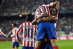 MADRID, Spain (14/02/10).-Liga BBVA de futbol. Partido Atletico de Madrid-FC Barcelona..Luis Amaranto Perea y Simao Sabrosa.©Raul Perez ..