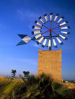 Spanien, Balearen, Mallorca, Windmuehle bei Sant Jordi | Spain, Balearic Islands, Mallorca, windmill near Sant Jordi