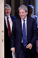Roma, 14 Aprile 2017<br /> Paolo Gentiloni e Giuliano Poletti.<br /> Cerimonia di firma a Palazzo Chigi del Memorandum d'intesa sul Reddito di inclusione, con il Presidente del Consiglio, il portavoce dell'Alleanza contro la povertà   e il ministro del Lavoro e delle Politiche Sociali.