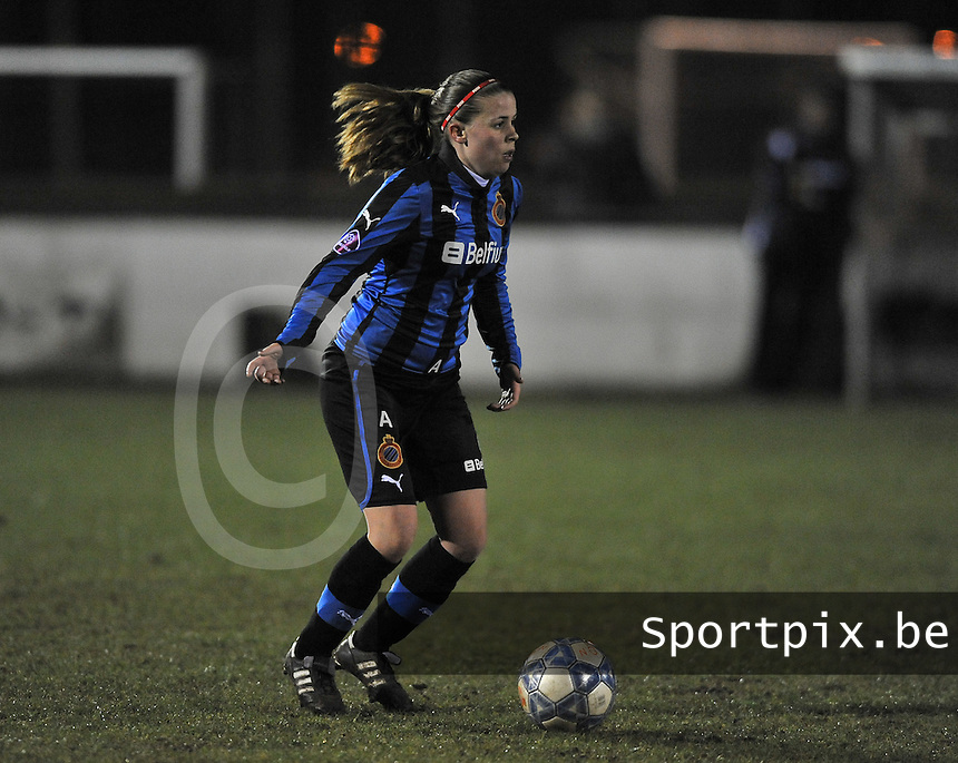 Club Brugge Dames - WB Sinaai Girls : Nina Vindevoghel.foto DAVID CATRY / Vrouwenteam.be