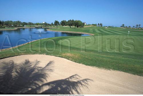 EMIRATES GOLF CLUB, Dubai, 970331. Photo: Neil Tingle/Action Plus...courses.1997.course.venues venue.bunker bunkers