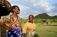 "TANZANIA Region Mara, Musoma, project women empowerment, diocese of Musoma and Mama Regina"" Regina Andrea Mukama, 64, fight against FGM, child marriage and violence against women / TANSANIA Region Mara, Musoma, Projekt Frauenfoerderung der Dioezese Musoma und ""Mama Regina"" Regina Andrea Mukama, 64, kaempft gegen FGM, Kinderhochzeiten und Gewalt gegen Frauen, hier auf Hof von Zainabo Joel, 61"