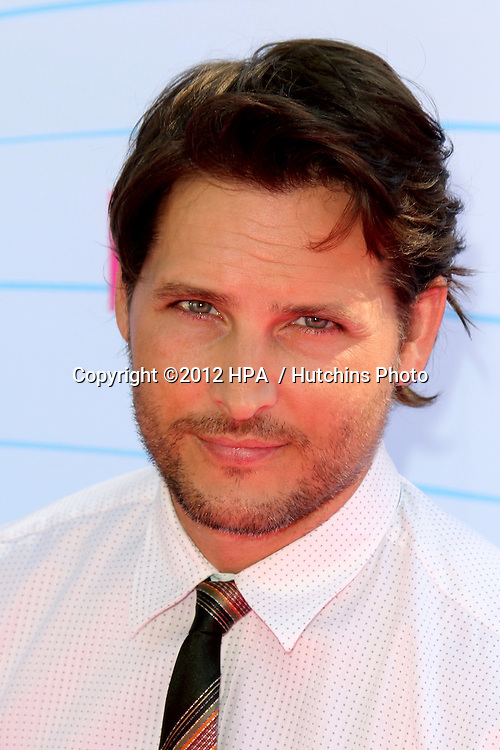 LOS ANGELES - JUL 22:  Peter Facinelli arriving at the 2012 Teen Choice Awards at Gibson Ampitheatre on July 22, 2012 in Los Angeles, CA