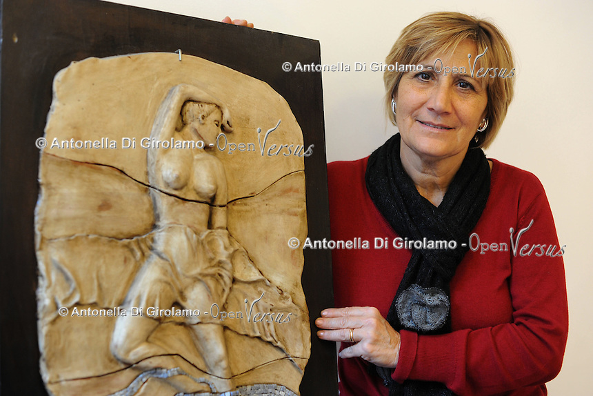 Maria Grazia Minardi, pittrice,scultrice,decoratrice.Porte aperte alla Upter.Mostra mercato di artigiani, artisti e cultori del vintage ospitata nei locali della Università Popolare di Roma. La manifestazione si tiene ogni terza domenica del mese..Doors open at Upter.Trade Show fair of artisans, artists and lovers of Vintage. The event is in the premises of the Popular University of Rome and is held every third Sunday of the month..