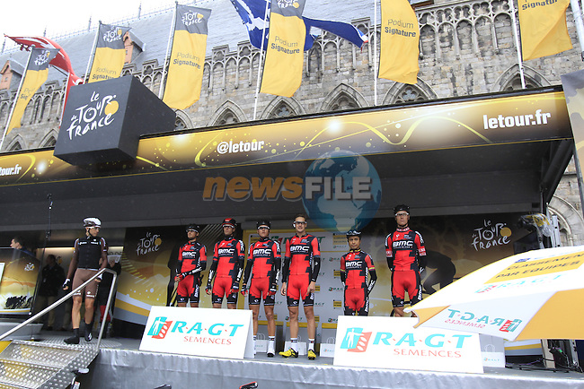 Team classification leaders BMC Racing Team at sign on in Ypres before the start of the cobbled stage Stage 5 of the 2014 Tour de France running 155.5km from Ypres to Arenberg. 9th July 2014.<br /> Picture: Eoin Clarke www.newsfile.ie
