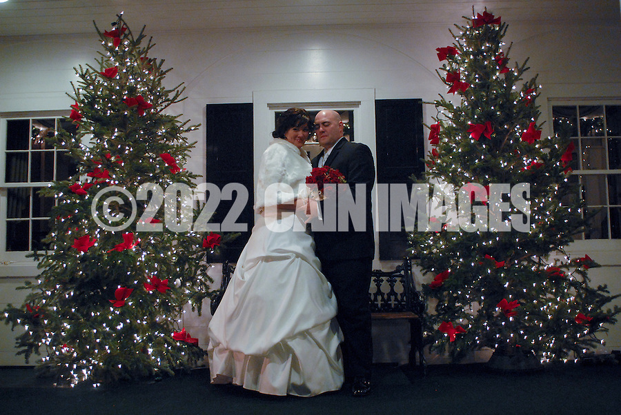 12/4/09 - 9:08:02 PM - SKIPPACK, PA: Carolyn & Michael,  December 4, 2009 in Skippack, Pennsylvania. (Photo by William Thomas Cain/cainimages.com)