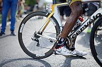 the incredible veins/legs of Daniel Teklehaimanot (ERI/MTN-Qhubeka) after the stage<br /> <br /> stage 16: Bourg de Péage - Gap (201km)<br /> 2015 Tour de France