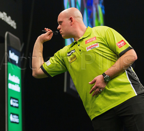31.03.2016. The Motorpoint Arena, Cardiff.  Betway PDC Premier League Darts Judgement Night. Michael Van Gerwen in action against Raymond Van Barneveld