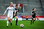 16.03.2019, Stadion Essen, Essen, GER, AFBL, SGS Essen vs TSG 1899 Hoffenheim, DFL REGULATIONS PROHIBIT ANY USE OF PHOTOGRAPHS AS IMAGE SEQUENCES AND/OR QUASI-VIDEO<br /> <br /> im Bild | picture shows:<br /> Sarah Freutel (SGS Essen #7) auf dem Weg zum Tor, <br /> <br /> Foto &copy; nordphoto / Rauch