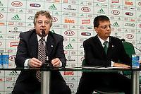 FOTO EMBARGADA PARA VEICULOS INTERNACIONAIS. - SAO PAULO, 04 DE FEVEREIRO, 2013  - PALMEIRAS - COLETIVA PAULO NOBRE  E GASTON KRAUSE - O Presidente do Palmeiras Paulo Nobre e o diretor de franquias da Meltex, Gaston Krause, cedem coletiva de imprensa, na tarde dessa segunda-feira (04), na Academia de Futebol.  O Palmeiras, em parceria com a empresa de gestão de marcas Meltex, vai inaugurar a primeira rede de lojas oficiais do clube, a Academia Store, aberta para o público dia 07/02, rua Augusta, 2078, zona central da capital - FOTO: LOLA OLIVEIRA - BRAZIL PHOTO PRESS