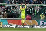13.04.2019, Weserstadion, Bremen, GER, 1.FBL, Werder Bremen vs SC Freiburg<br /> <br /> DFL REGULATIONS PROHIBIT ANY USE OF PHOTOGRAPHS AS IMAGE SEQUENCES AND/OR QUASI-VIDEO.<br /> <br /> im Bild / picture shows<br /> Spielerwechsel Werder Bremen, Einwechslung Stefanos Kapino (Werder Bremen #27), <br /> <br /> Foto &copy; nordphoto / Ewert