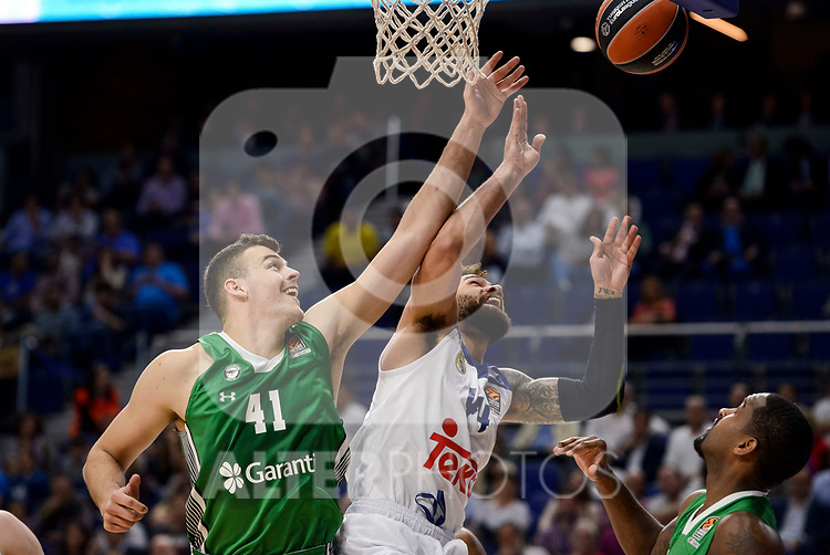 Real Madrid's Jeffery Taylor and Darussafaka Dogus's Ante Zizic during quarter final of Turkish Airlines Euroleague match between Real Madrid and Darussafaka Dogus at Wizink Center in Madrid, April 20, 2017. Spain.<br /> (ALTERPHOTOS/BorjaB.Hojas)