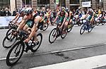 06.07.2019,  Innenstadt, Hamburg, GER, Hamburg Wasser World Triathlon, Elite Mainner, im Bild die Triathleten auf dem Fahrrad auf der Moenckebergstrasse mit Justus Nieschlag (GER) Foto © nordphoto / Witke *** Local Caption ***