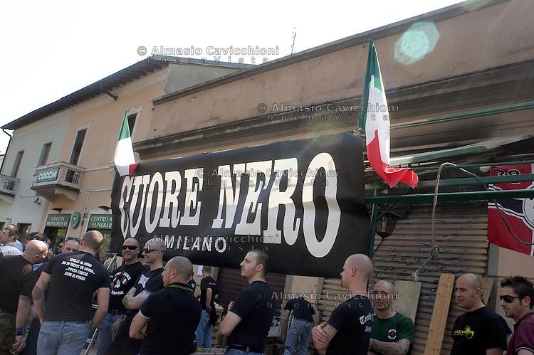 14 APR 2007 Milano: inaugurazione della sede nazi 'CUORE NERO', preventivamente bruciata giorni prima da ignoti..APR 14 2007 Milan: opening of the nazi center 'CUORE NERO', previously burned down by unknown persons..