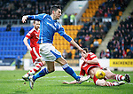 St Johnstone v Aberdeen...06.02.16   SPFL   McDiarmid Park, Perth<br /> Graham Cummins shoots wide of the post after rounding keeper Scott Brown<br /> Picture by Graeme Hart.<br /> Copyright Perthshire Picture Agency<br /> Tel: 01738 623350  Mobile: 07990 594431
