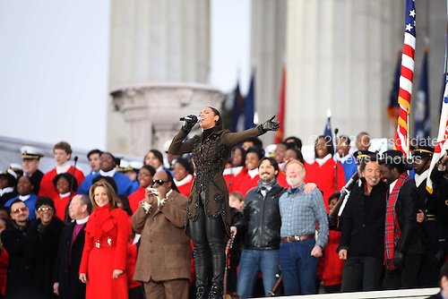 """Washington, DC - January 18, 2009 -- Beyonce leads he finale at the """"We Are One"""", the Obama Inaugural Celebration at the Lincoln Memorial on Sunday, January 18, 2009. .Credit: Dennis Brack - Pool via CNP"""