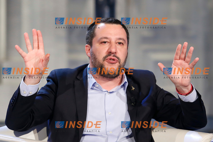 Matteo Salvini hands up<br /> Rome January 10th 2019. The Italian Minister of Internal Affairs appears as a guest on the tv show Porta a Porta<br /> Foto Samantha Zucchi Insidefoto