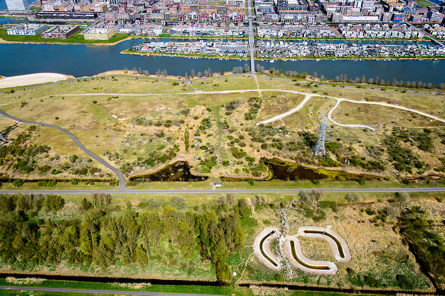 Nederland, Noord-Holland, Amsterdam, 20-04-2015; IJburg, Haveneiland, gezien vanaf het Diemerpark (voormalige vuilstortplaats Diemerzeedijk). IJburg, the new urban development district of Amsterdam, former landfill Diemerzeedijk.<br /> <br /> luchtfoto (toeslag op standard tarieven);<br /> aerial photo (additional fee required);<br /> copyright foto/photo Siebe Swart