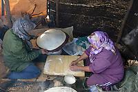 LEBANON shepherd in lebanon mountains / LIBANON, Hirten im Libanon Gebirge, Frauen backen Fladenbrot