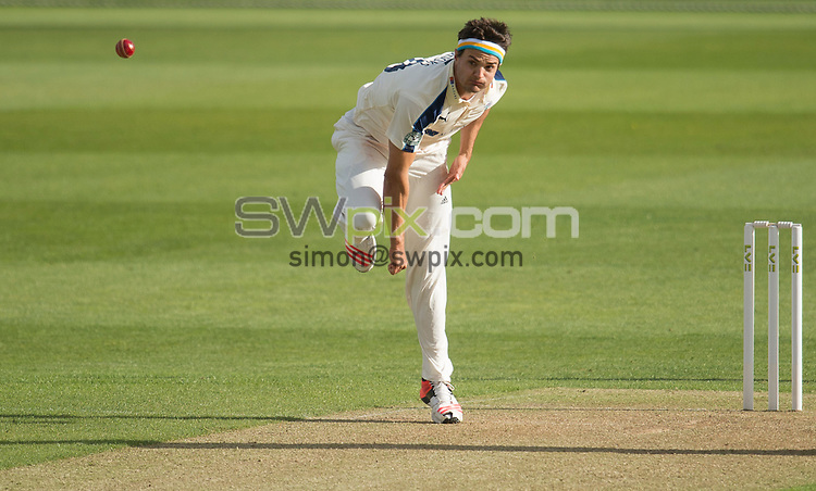 Picture by Allan McKenzie/SWpix.com - 26/04/2015 - Cricket - LV County Championship Div One - Yorkshire County Cricket Club v Warwickshire County Cricket Club - Headingley Cricket Ground, Leeds, England - Yorkshire's Jack Brooks bowls.