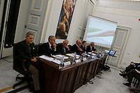 partecipa ad un convegno di Confindustria a Napoli Antonio Bassolino interviene alla presentazione di un libro Gianni lettieri ed Antonio Bassolino