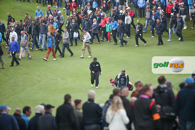 Kiradech Aphibarnrat (THA) head down as he advances to the 3rd green during the Final Round of the British Masters 2015 supported by SkySports played on the Marquess Course at Woburn Golf Club, Little Brickhill, Milton Keynes, England.  11/10/2015. Picture: Golffile | David Lloyd<br /> <br /> All photos usage must carry mandatory copyright credit (&copy; Golffile | David Lloyd)