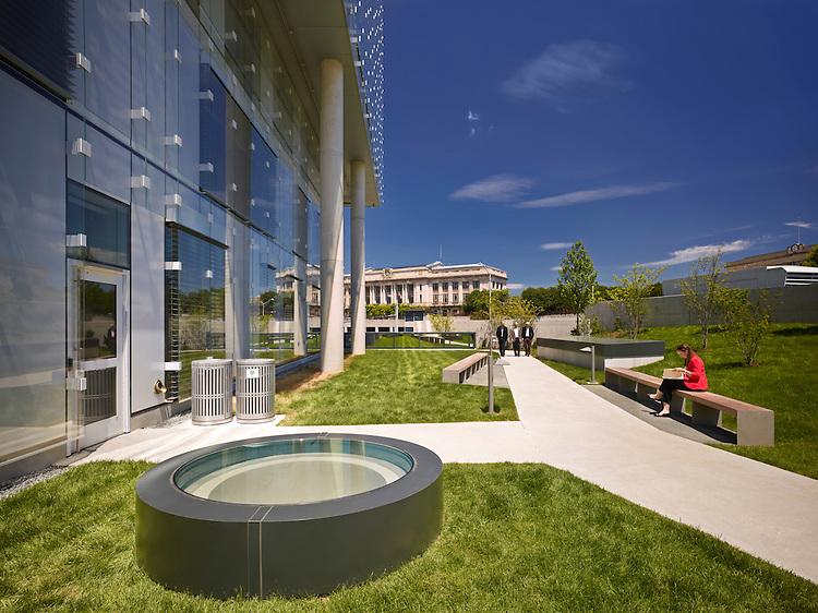 The John & Frances Angelos Law Center at the University of Baltimore | Behnisch Architekten