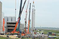 ALGEMEEN: HEERENVEEN: 06-05-2014, Bouw A-ware Kaasfabriek, takelwerkzaamheden, ©foto Martin de Jong