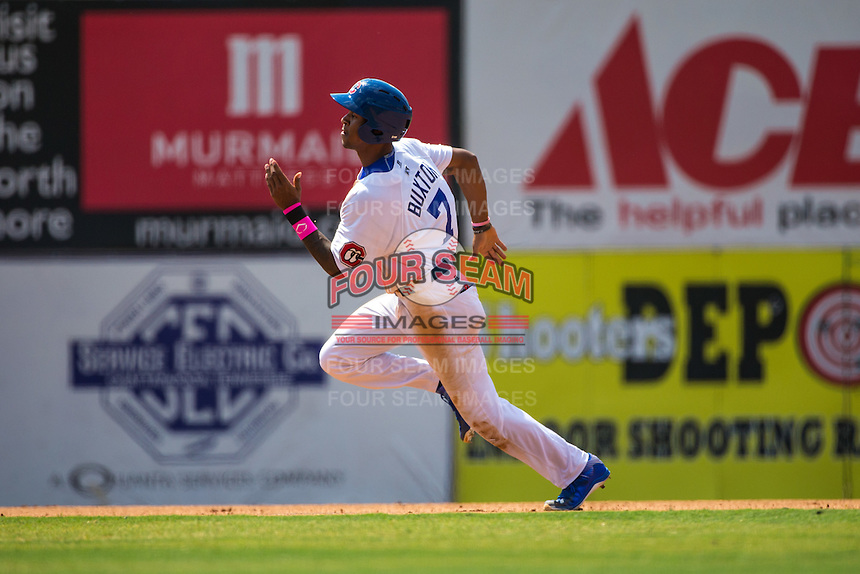 Byron Buxton (7) of the Chattanooga Lookouts runs during a game between the Jackson Generals and Chattanooga Lookouts at AT&T Field on May 10, 2015 in Chattanooga, Tennessee. (Brace Hemmelgarn/Four Seam Images)