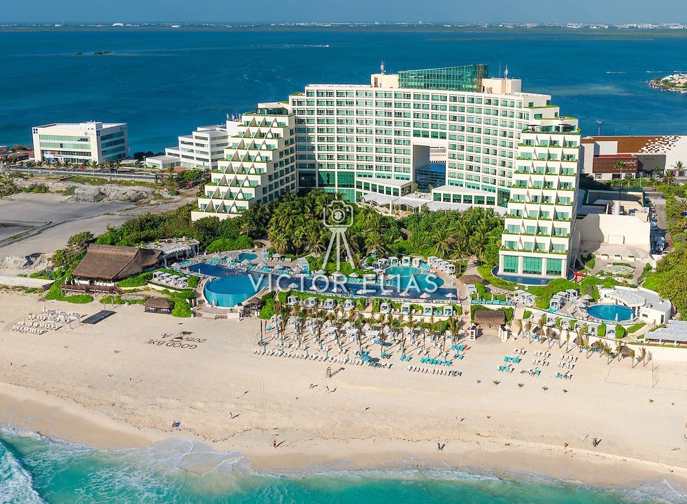 Aerial Cancun 1231247 Tif Victor Elias Photography
