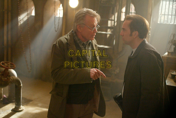 JON VOIGHT & NICOLAS CAGE .in National Treasure.Filmstill - Editorial Use Only.CAP/AWFF.supplied by Capital Pictures.